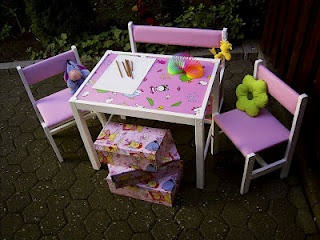 Children table, chair, bench makeover from Wesens-Art