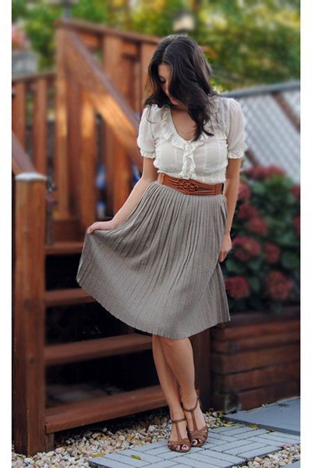 i wish.Summer Outfit, Style, White Shirts, Fall Outfit, White Blouses, Work Outfits, Summer Clothing, Pleated Skirts, Belts