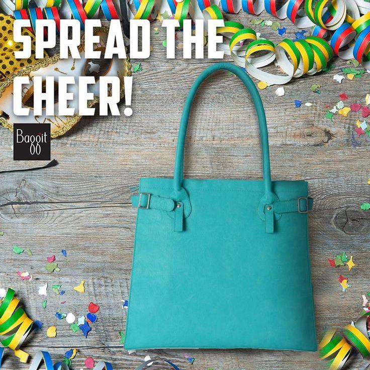 Fashion mavens make sure to treat yourself to gorgeous fashion at fabulous discounted rates this sale season!