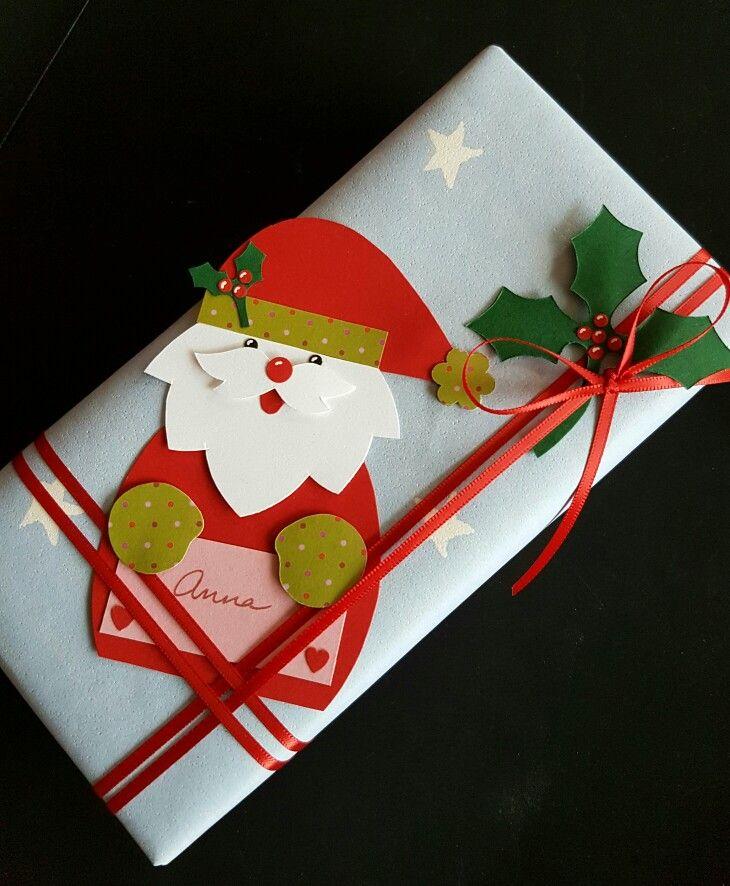 """kreativ gaveindpakning med julemand. Fra min bog """"Kort & godt"""", udgivet af Cappelen Damm Norge."""
