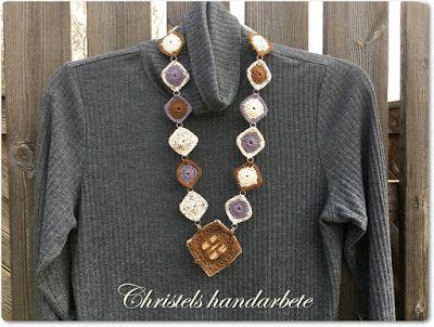 Christels handarbete: Återbruk av knappar Virkat halsband  Crochet necklace