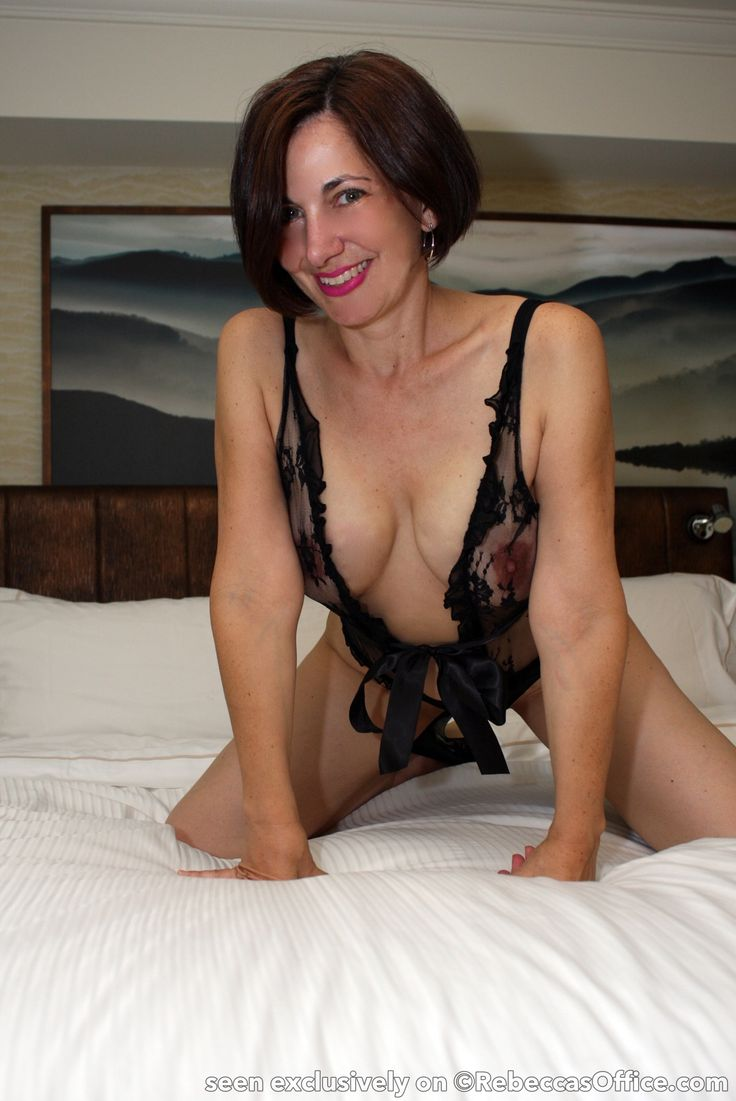 Showing Porn Images For Short Hair Brunette Milf Rebecca -6030