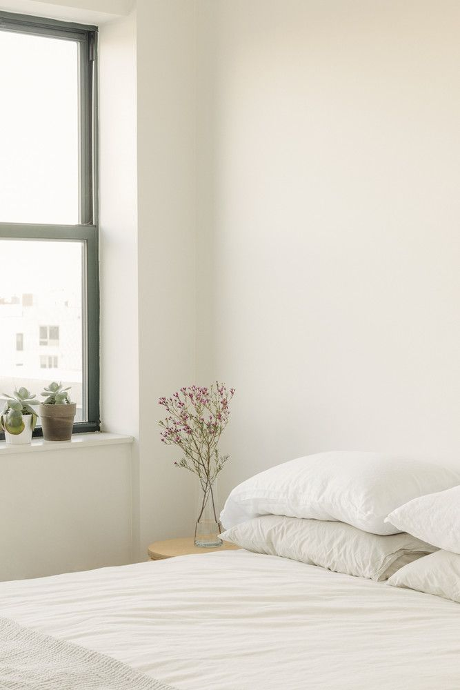 25 Totally Not Boring Minimalist Bedrooms Home Pinterest