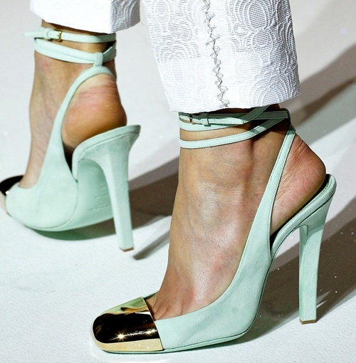 YSL Shoes: To, Yves Saint Laurent, Aqua Shoes, Colors, Cheesy Chicken, Mint Shoes, Balenciaga Shoes, Heels, Gold Shoes