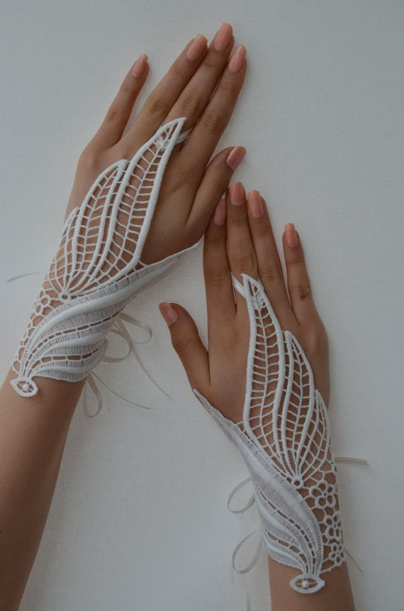 ivory leaf bridal gloves by newgloves