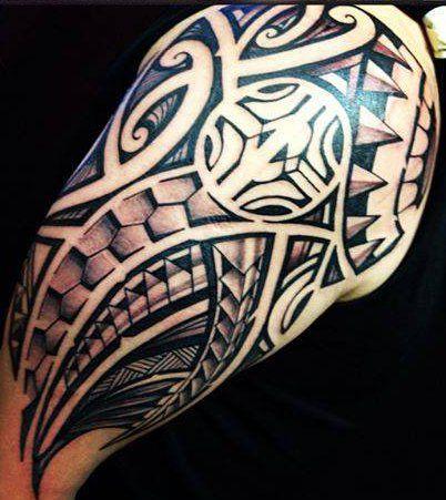 162 best images about v ci co se m l b on pinterest samoan tattoo tatau tattoo and maori - Tatouage homme epaule tribal ...