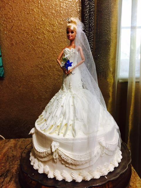 The 25+ best Frozen barbie cake ideas on Pinterest Elsa ...