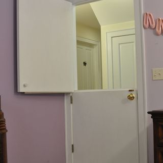 Instructable for turning a hollow-core door into a dutch split door