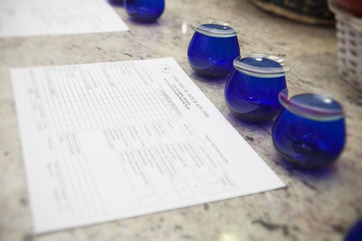 En el I Taller de cocina #aove Casas de Hualdo distinguimos las cualidades organolépticas de nuestros aceites.