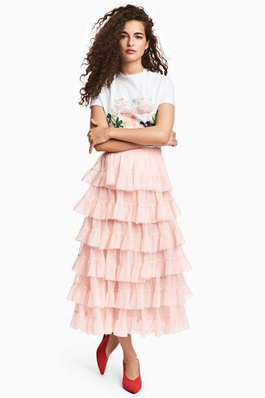 Tiered skirt Model