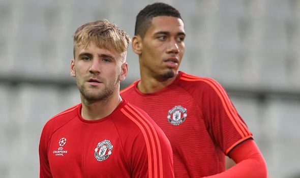 Transfer News: Shaw to Liverpool Smalling to Arsenal eight Man Utd moves Chelsea row   via Arsenal FC - Latest news gossip and videos http://ift.tt/2fMXFEZ  Arsenal FC - Latest news gossip and videos IFTTT