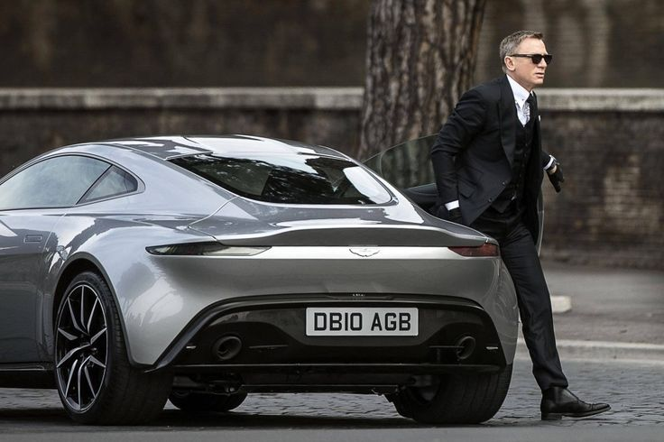 New AM DB10 - James Bond (Spectre) to ride it first - in Rome.
