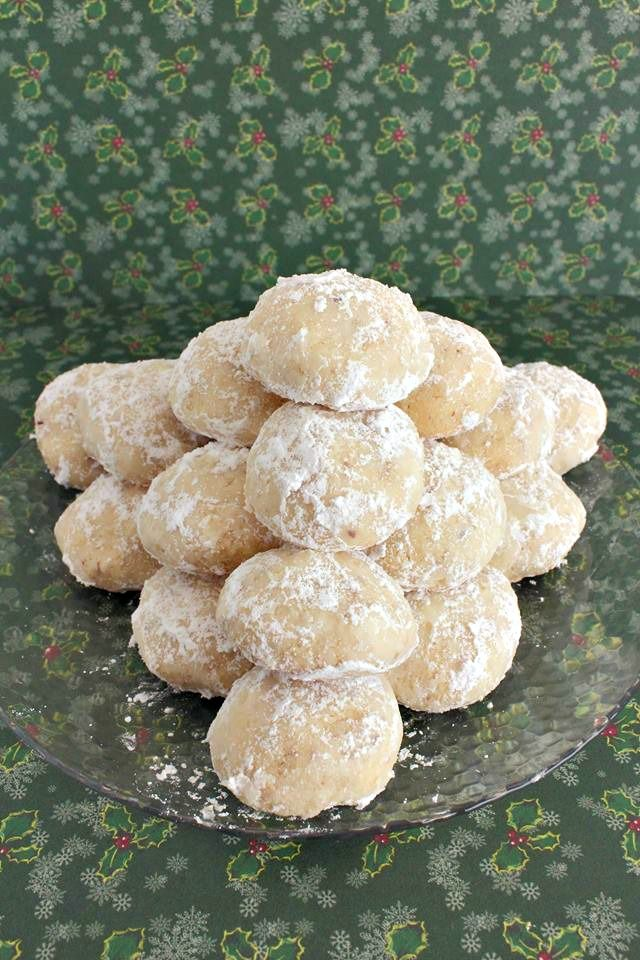 Snowball Cookies also known as Mexican Wedding Cookies are a fantastic holiday treat. We love this great holiday cookie recipe.