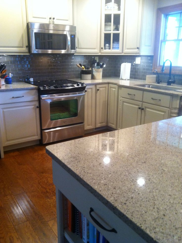 Cabinets Vanilla Paint Charcoal Glaze Viatera Quartz Countertop Silver Lake Backsplash