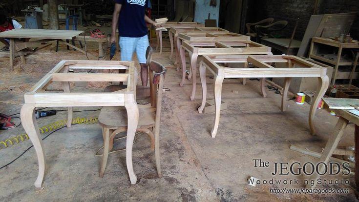 Hari Minggu kita bekerja :)))) our #Sunday is keep working and more #furniture #production for us.  #frenchfurniture #provincialfurniture #scandinavianfurniture #retrofurniture #minimalistfurniture #teakfurniture http://jeparagoods.com    Jegoods Woodworking Studio Furniture Indonesia (@jeparagoods) | Twitter