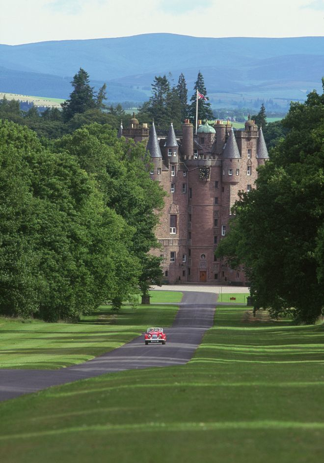 Fairytale Weddings in Scotland by Belle The Magazine