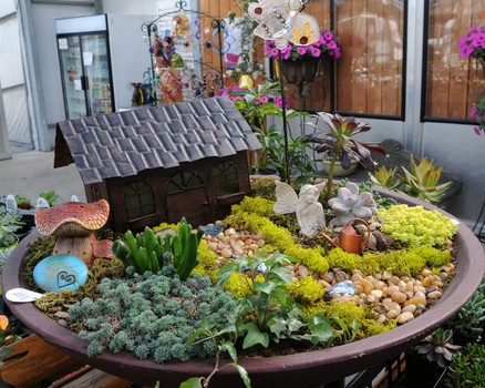 Google Image Result for www.examiner.com/… – Fairy/Gnome Treehouses And Gardens