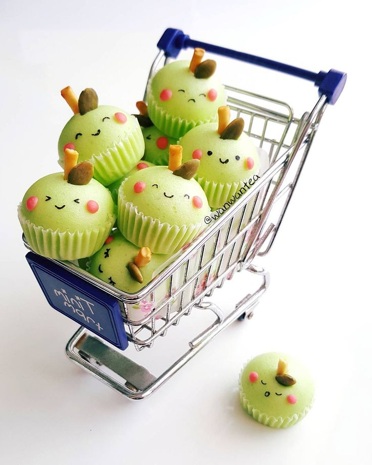 Green apple cupcakes by WanwanTea (@wanwantea)