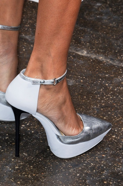 Futuristic DKNY heels: Fashion Places, Heels Baby, Dkny Heels, Style, Dkny Details, Runway, Hisher Shoes, Futuristic Dkny, High Heels