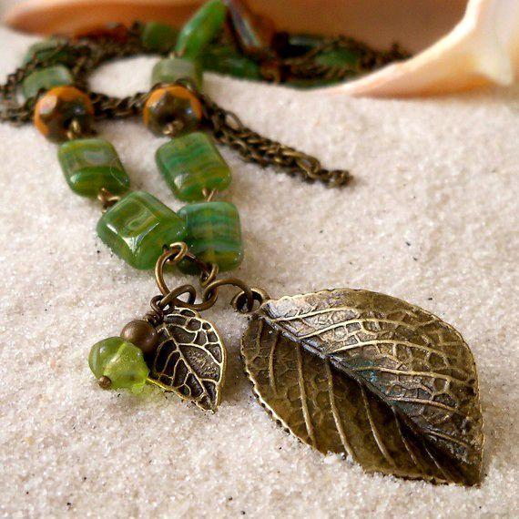 Herfst ketting - glas kralen sieraden - glas Bead halsketting - oranje en groene ketting - blad hanger ketting - drie Strand ketting