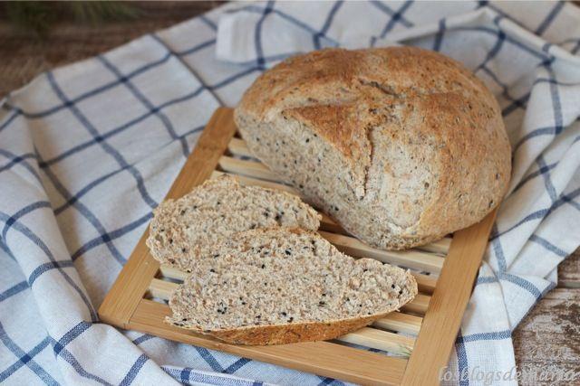 http://cocinayrecetas.hola.com/lacocinaperfecta/20130705/pan-de-espelta-integral-y-semillas-de-kalonji/