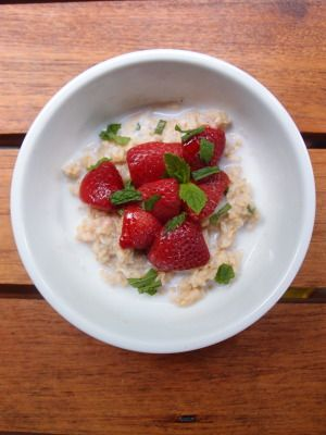 Oats of the Week: Strawberries and Mint: Strawberries And Mint, Athletic Food, Strawberries Andmint, Old Fashion Oats