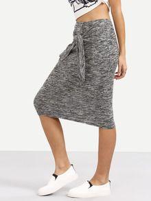 Falda con nudo delantero -gris