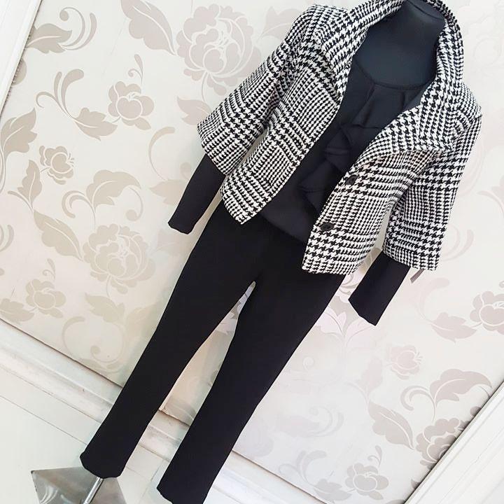 #tuta #nera #cappetta #pied de #poule #valeria #abbigliamento