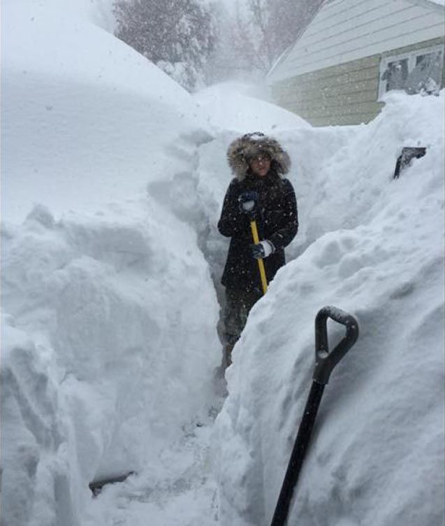 buffalo ny snow storm 2014   snow-storm-brought-five-feet-of-snow-to-Lancaster-New-York-Nov-18-2014 ... Make that 84 inches!