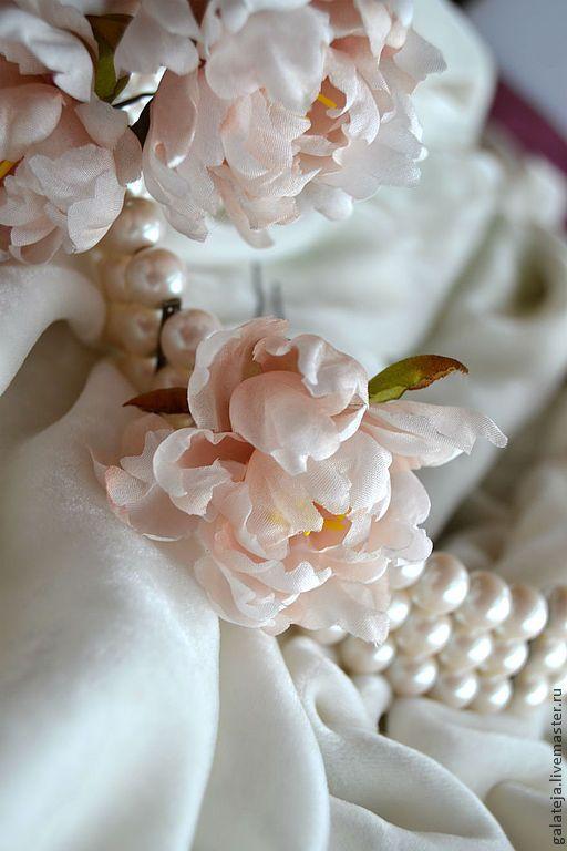 Купить Цветы из шелка.Шпилька Пион - бежевый, пион, кремовый, кремовый цвет, шпильки для волос