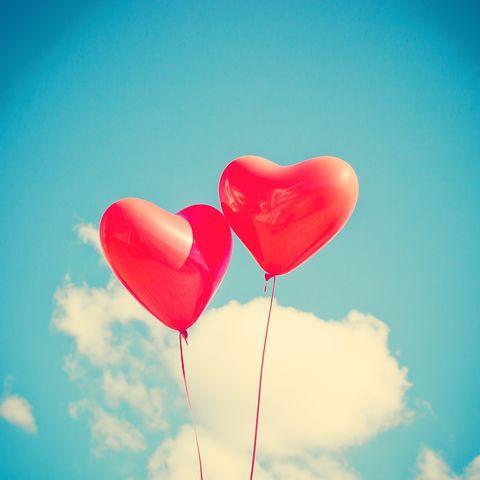 10 Alasan Ilmiah Orang Jatuh Cinta Padamu
