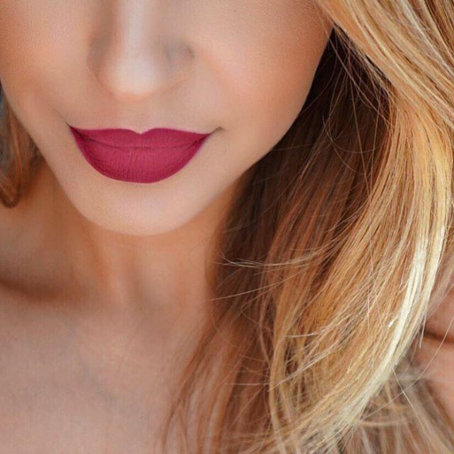 NYX 1) Slim Lip Pencil in 'Hot Red' 2) Matte Lipstick in 'Merlot' und 3)Matte Lipstick in 'Tea Rose'.
