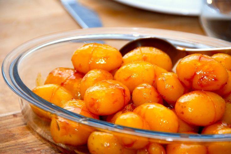 Brunede kartofler med sukkervand