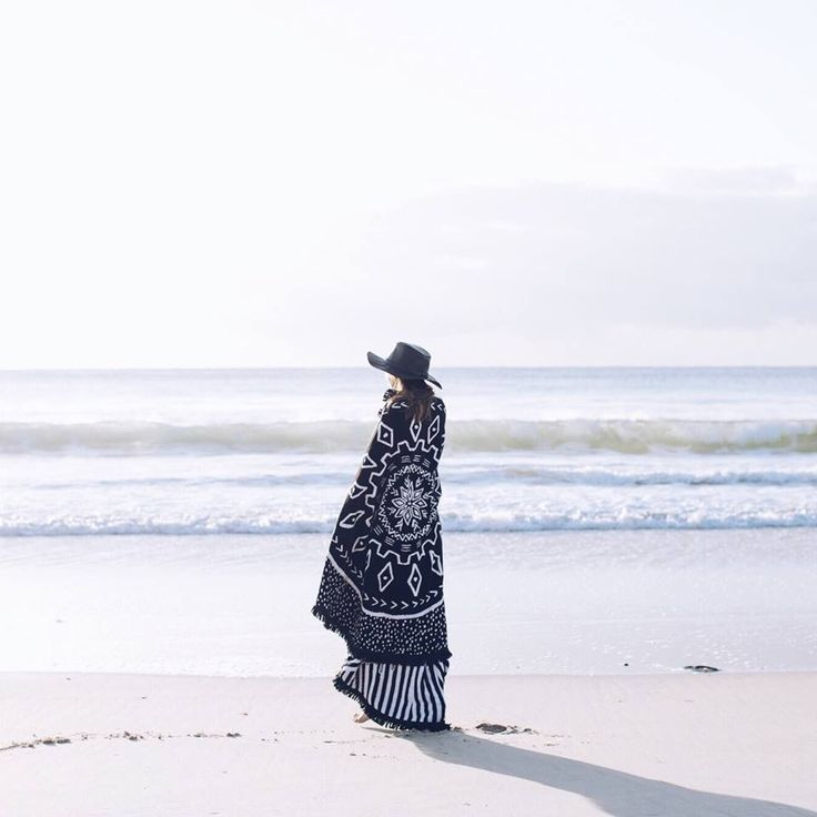 ON THE BLOG:: Inspiration for seaside celebrations this Australia Day & we announce the winner of our Australia Day giveaway! Click the link to see if you have won thebeachpeople.com.au/blog #thebeachpeople