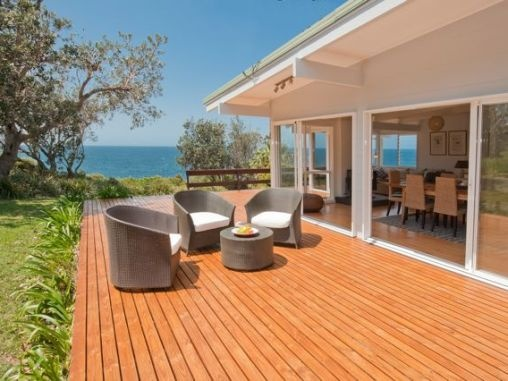 2 Cliff Avenue MOLLYMOOK BEACH - $1400/weekend - 3 bedrooms including linen
