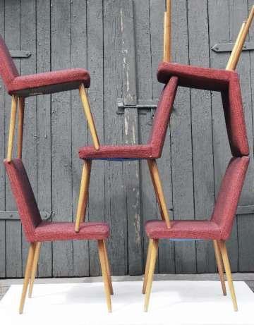 60 zł: Krzesło ''Patyczak'', lata 60/70. XX wieku, prod. Słupskie Fabryki Mebli.   Konstrukcja stabilna, tapicerka do wymiany, nóżki do przeszlifowania.   Dostępne 5 sztuk / podana cena dotyczy jednej s...