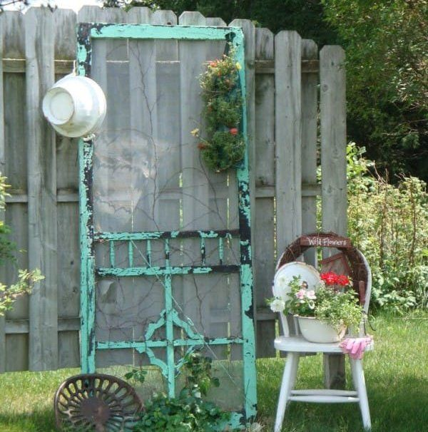 25 best ideas about old screen doors on pinterest - Old door decorating ideas ...