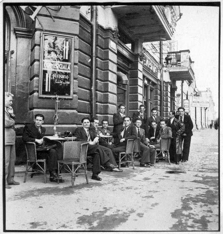 Chișinău, cafeneaua Varșovia, intersecția străzilor Ștefan cel Mare și M. Eminescu, perioada interbelică.
