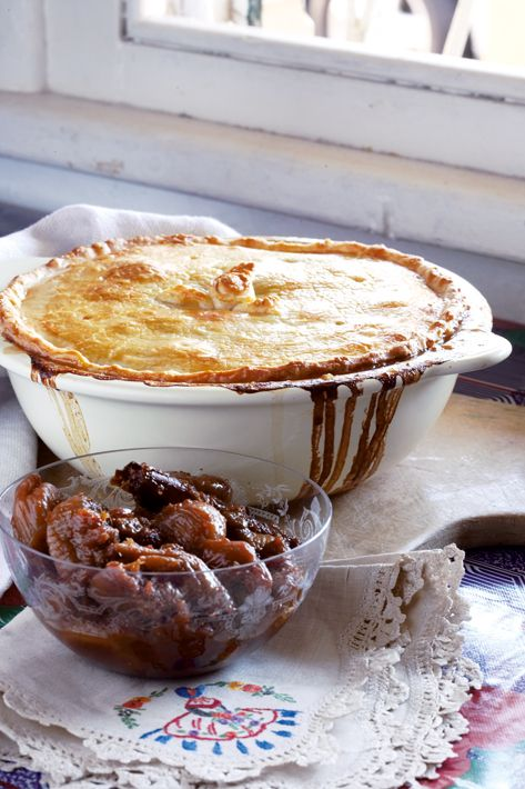 Springbok pie with fig and rooibos compote