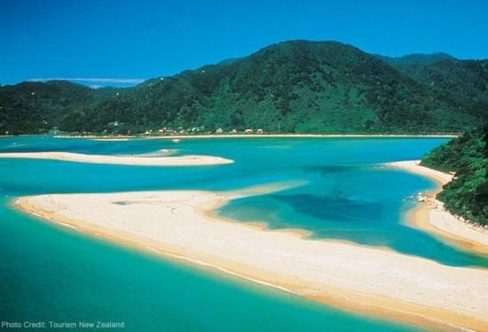 | Aotearoa New Zealand / Marlborough Sounds,