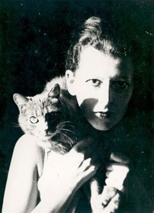 Claude Cahun, Self-Portrait with cat