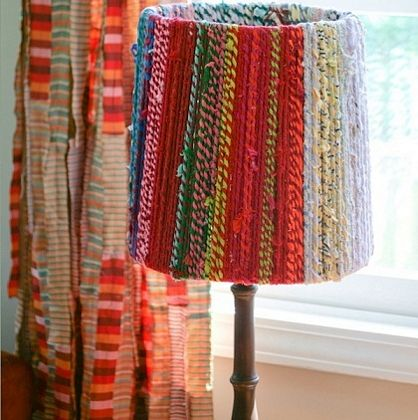 Lámpara decorada con lana