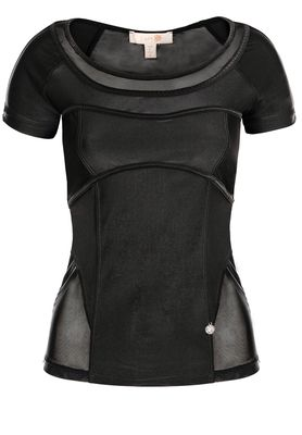 Perfect Days Performance Tee - Black - $89.00 - The Perfect Days Performance Tee is a modern take on a classic sports t-shirt, featuring a fitted silhouette, corset inspired detailing and body contouring seams. #fireandshine #yoga #fashion #ethical #activewear #loungewear #lurv #black