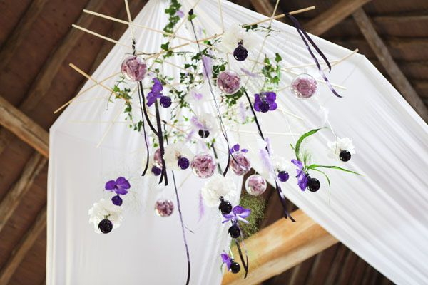Les 25 meilleures id es de la cat gorie mariage pluvieux for Decoration mauve et gris
