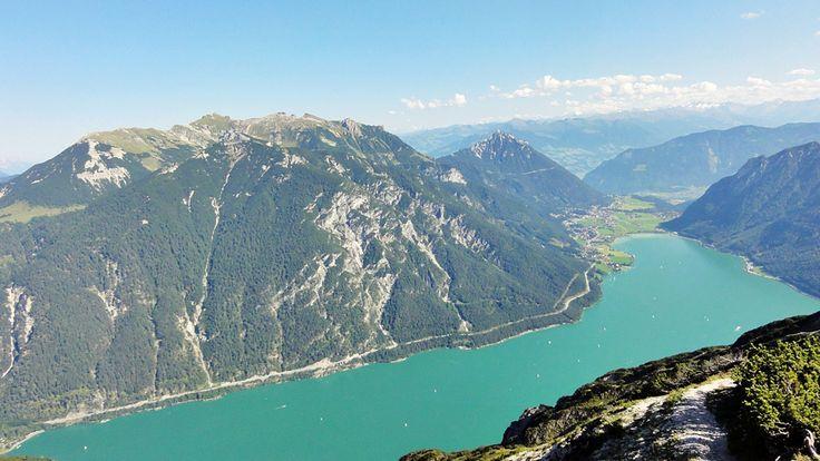 Die Seebergspitze (2085m) ist einer der schönsten Aussichtsberge am Achensee! Diese wenig bekannte Rundtour ist ein richtiges Wander-Schmankerl!