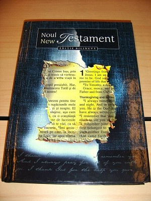 Romanian - English Bilingual New Testament / Editie bilingva Romana - Engleza / Traducere in Limba Romana Moderna - Easy-to-Read Version / Noul Testament