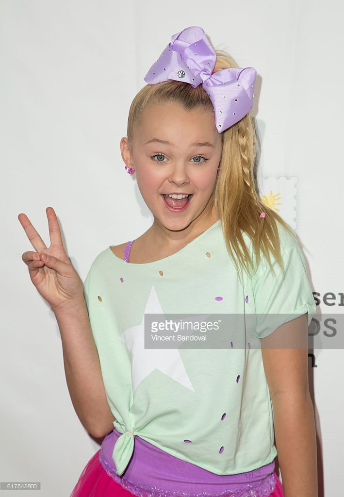 Dancer JoJo Siwa attends the Elizabeth Glaser Pediatric AIDS... News Photo | Getty Images