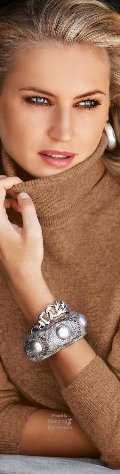 Sweater weather. #sweaters #knits http://bellanblue.com