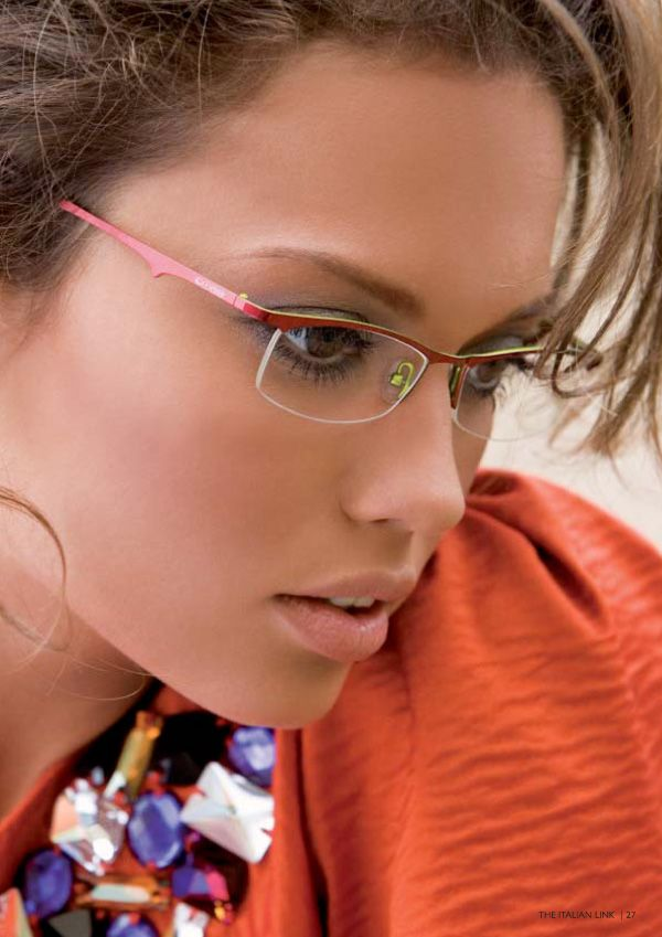 Eyes are the windows of your soul, so choose the perfect eyewear to protect them. This Eyeglasses offer unbeatable style and performance as they feature top-quality oval-shaped lenses. These fashion eyeglasses come with dual-colored frame in . With semi-rimmed metal frames, these stylish eyeglasses boost your style quotient.