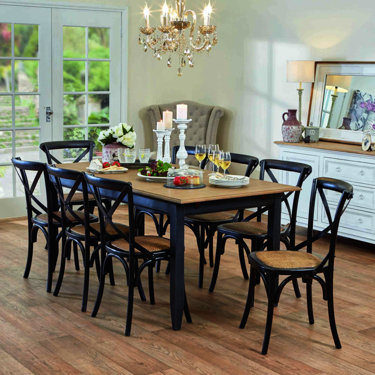 Esquisse dining table in black and Provincial cross-back chairs in black